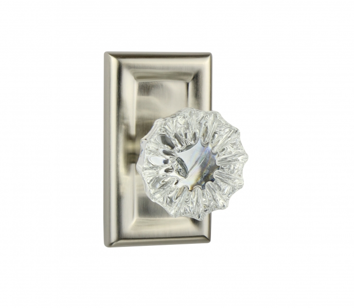 Metropolitan Small Plate – Flower Crystal